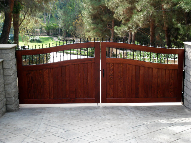 Custom Gates Barrett Southwest Fence